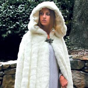 pearsons-renaissance-shoppe-snow-cloak